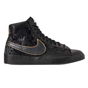Nike Blazer MID Black Metallic Gold Women's size 6